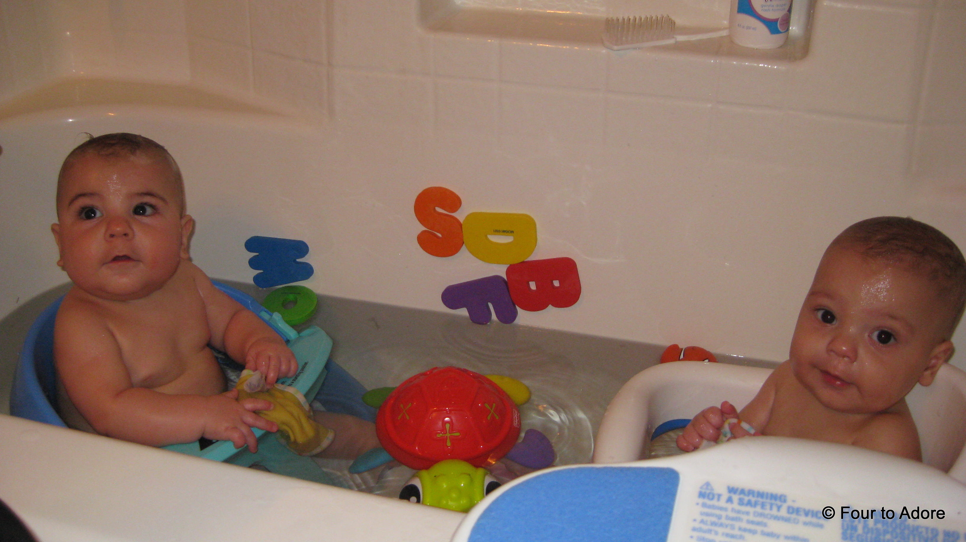how to prevent babies from peeing in the bath – Four to Adore
