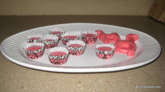 I forgot to spray my mold and only two of our animals came out clean.  I found that mini muffin tins are just the right size for a snack, and clean up is easy.